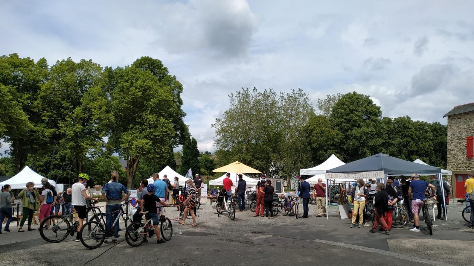 La 1ère fête du vélo, organisée par le groupe mobilité de Polen
